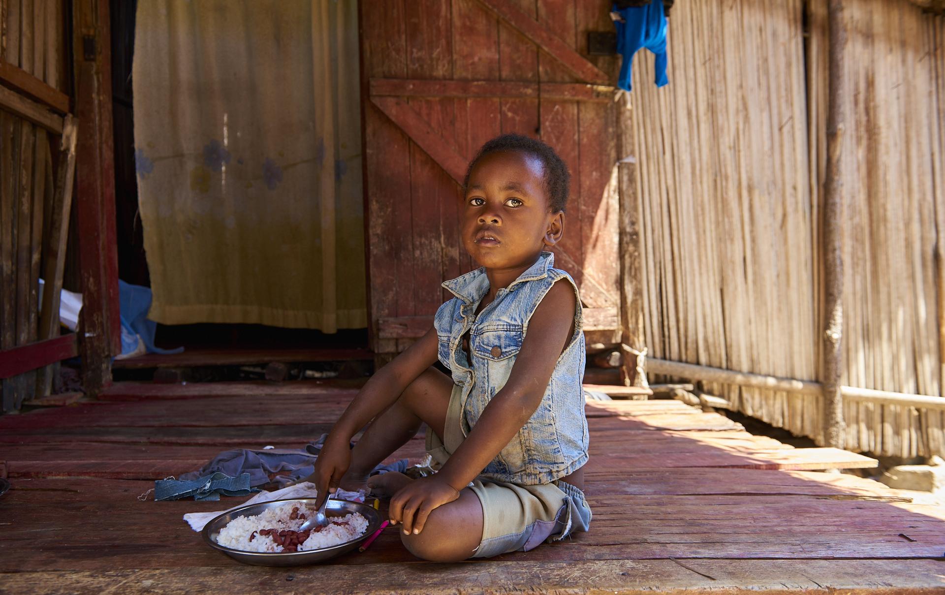 il pasto di un bimbo malgascio