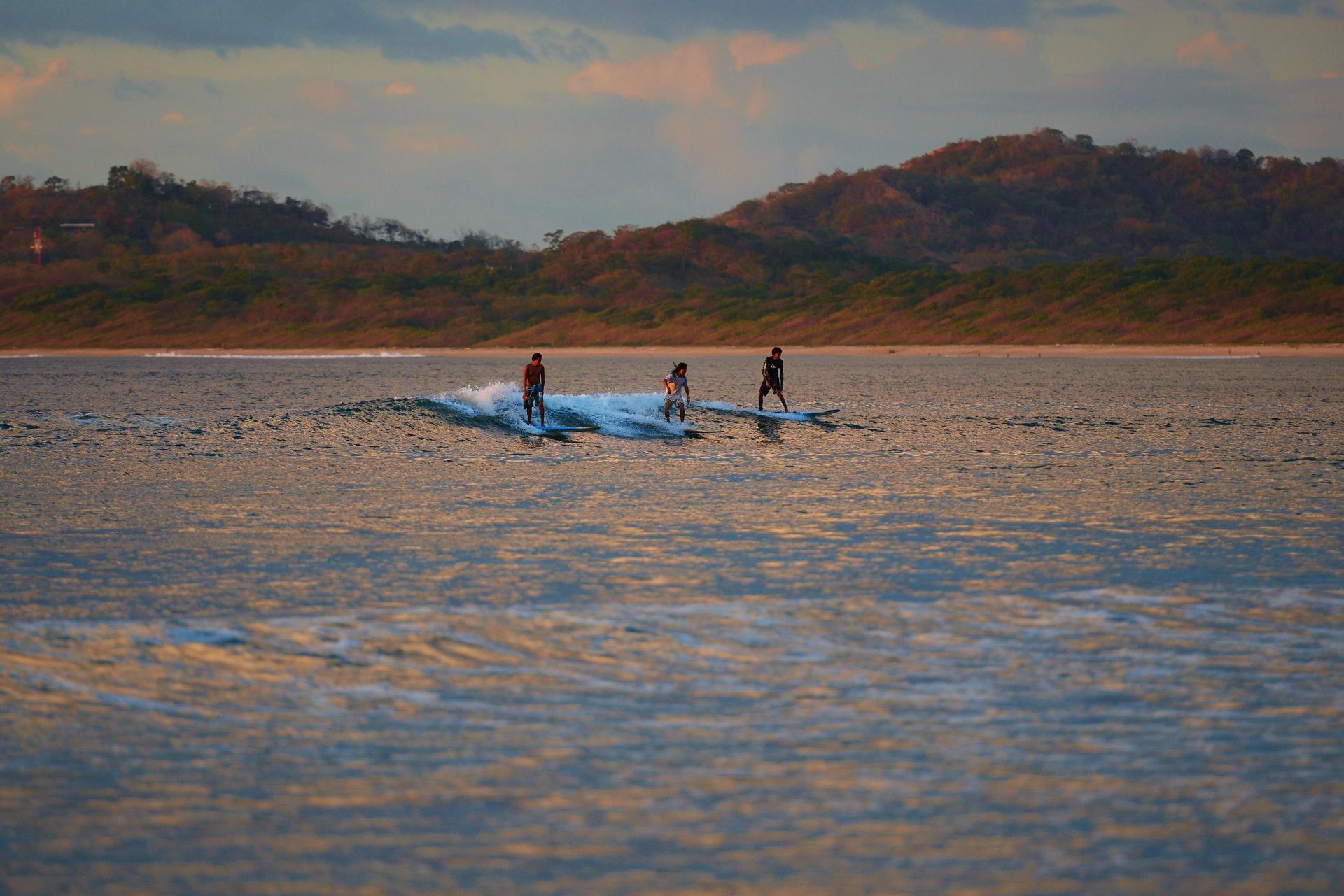 surf a Tamarindo